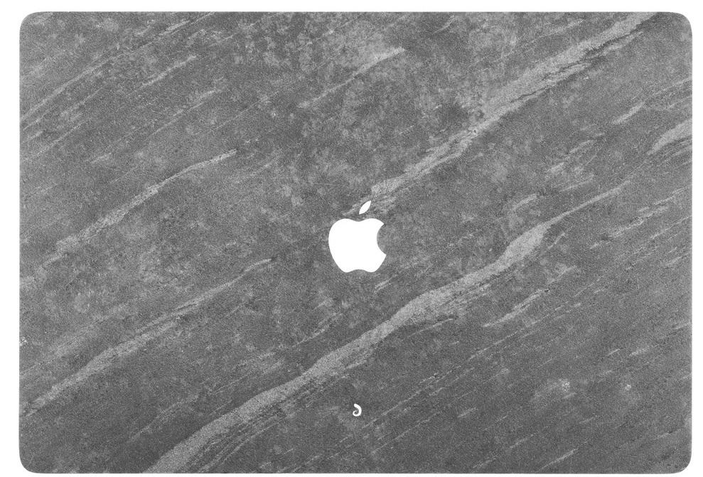 Накладка Relic Form для MacBook Pro 15